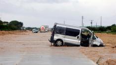 Personas atrapadas en sus vehículos