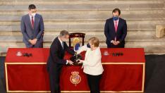 Merkel recibe el Premio Europeo Carlos V