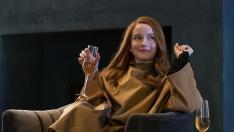 Julia Garner como Anna Delvey