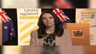 Un terremoto sorprende a Jacinda Ardern en medio de una entrevista de televisión