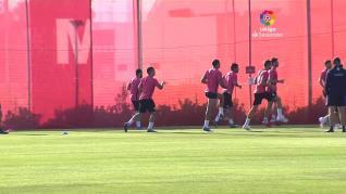 El Sevilla vuelve a la ciudad deportiva con trabajos en grupos de 14 jugadores