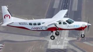 El avión eléctrico más grande del mundo surca el cielo durante 30 minutos