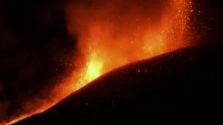 El Etna vuelve a arrojar lava en otra erupción espectacular