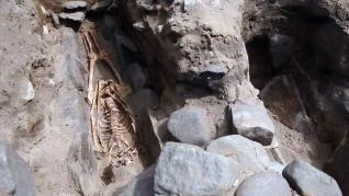 Hallan centenares de esqueletos de la Edad Media bajo la arena de una playa