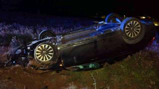 Así reconstruye la Guardia Civil un accidente de tráfico donde un conductor ha terminado con su coche volcado