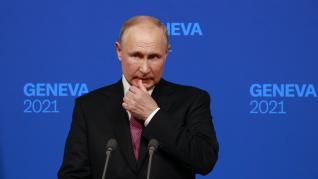 Putin, en cuarentena por casos de coronavirus en su entorno