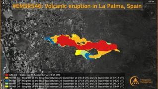 El volcán produce decenas de explosiones mientras sus coladas de lava avanzan muy lento