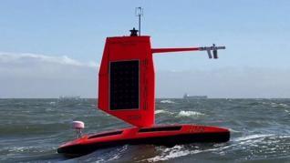 Un dron oceánico filma en primicia dentro de un huracán