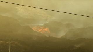 """El volcán de La Palma sigue expulsando """"verdaderos tsunamis de lava"""""""
