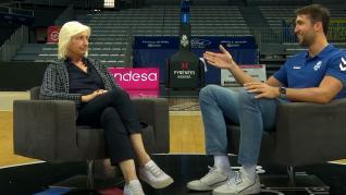 El emotivo testimonio de un jugador de la ACB y su madre por el Día contra el cáncer de mama