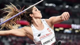 Una campeona olímpica empeña su plata para salvar la vida de un bebé
