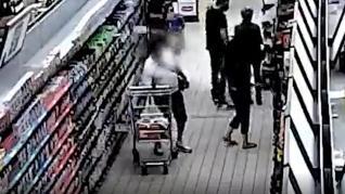 La Guardia Civil detiene a un carterista que robaba a personas distraídas haciendo la compra