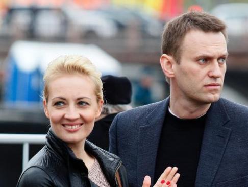 Alexéi Navalni recibe el alta tras un mes ingresado por envenenamiento