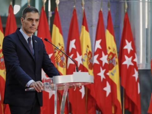 el-presidente-del-gobierno-pedro-sanchez-y-la-presidenta-de-la-comunidad-de-madrid-isabel-diaz-ayuso