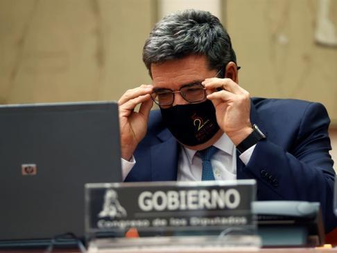 el-ministro-de-inclusion-seguridad-social-y-migraciones-jose-luis-escriva-comparece-ante-la-comision-de-seguimiento-del-pacto-de-toledo-celebrada-este-lunes-en-el-congreso-de-los-diputados-de-madrid