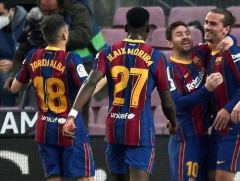 """La """"comida de trabajo"""" del FC Barcelona en casa de Messi tuvo a más de 30 invitados"""