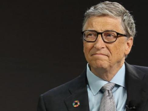Bill Gates se iba de vacaciones con su exnovia todos los años mientras estuvo casado con Melinda