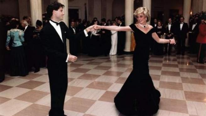El famoso baile entre la princesa Diana y el actor John Travolta en la Casa Blanca.
