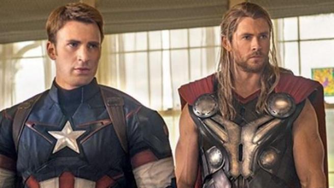 Thor (Chris Hemsworth) y el Capitán América (Chris Evans) en 'Los Vengadores: la era de Ultron'.
