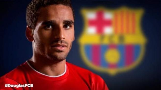 El jugador brasileño Douglas Pereira, nuevo jugador del Barça, en un fotomontaje facilitado por el FC. Barcelona.
