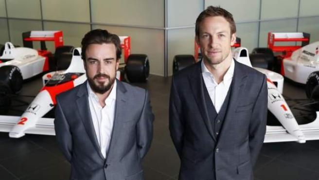 Fernando Alonso y Jenson Button, compañeros en el equipo McLaren en la temporada 2015.