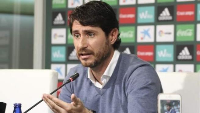 Víctor Sánchez del Amo en una rueda de prensa