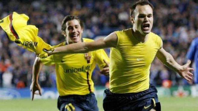 <p>Andrés Iniesta celebra su gol al Chelsea en 2009.</p>