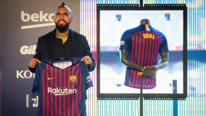 Arturo Vidal, en su presentación como jugador del Barça