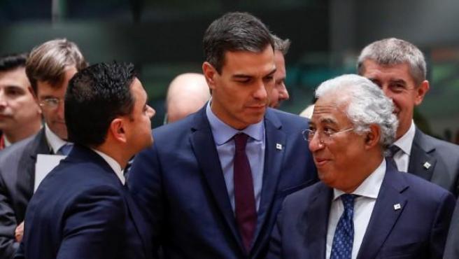 El presidente español, Pedro Sánchez, junto con Antonio Costa, primer ministro portugués, antes de un Consejo Europeo.