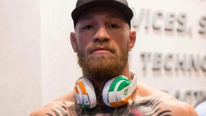 La séptima posición del ranking es para el irlandés Conor McGregor, cuyos contratos publicitarios han sido claves para que este 2018 ingresara 99 millones de dólares en su cuenta.