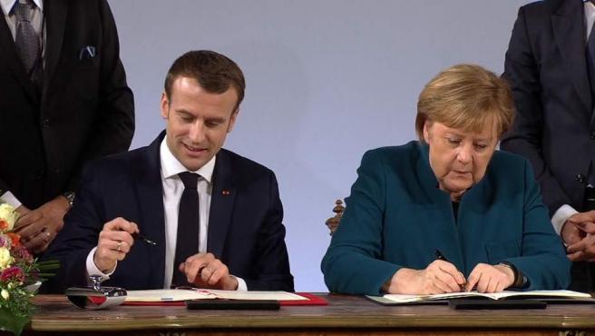 Macron y Merkel sellan un tratado contra el populismo y el nacionalismo