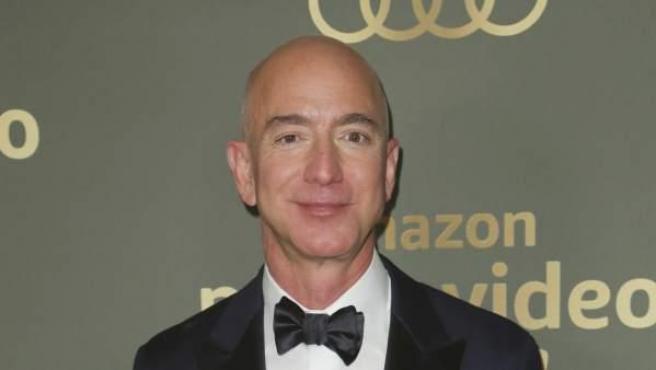 El CEO de Amazon, Jeff Bezos, en la fiesta posterior a los Globos de Oro 2019.