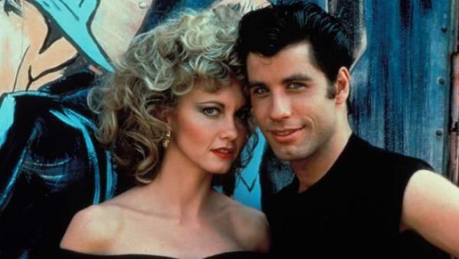 John Travolta y Olivia Newrton John en 'Grease'.