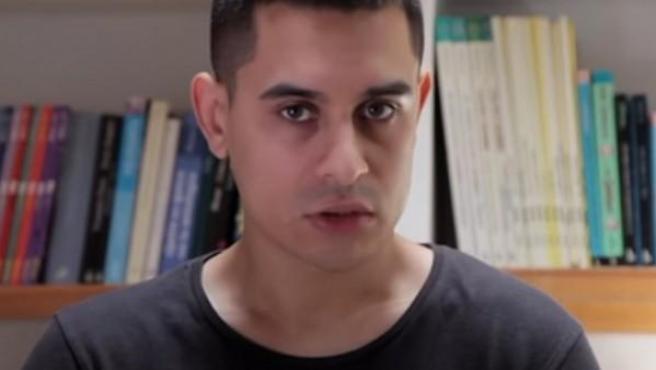 El cómico David Suárez en un sketch que ha subido a su cuenta de YouTube.