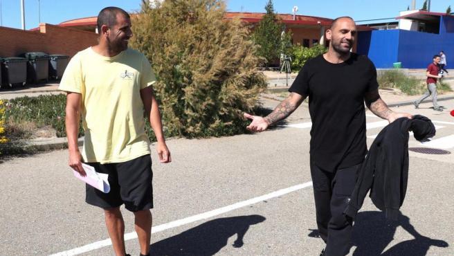 Carlos Aranda y Raúl Bravo, tras pagar la fianza y salir de prisión