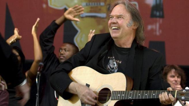 Neil Young, en el concierto 'Live 8', en Canadá.