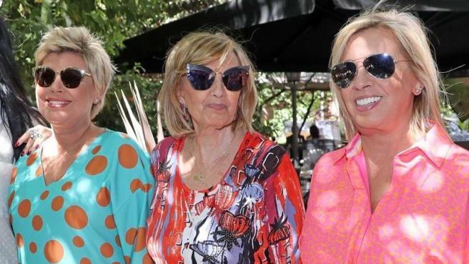 Terelu Campos y Carmen Borrego en el cumpleaños de su madre, María Teresa Campos.