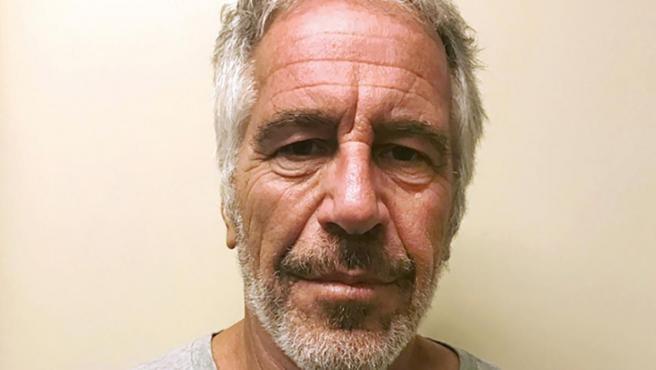 Imagen de la ficha policial del multimillonario Jeffrey Epstein.