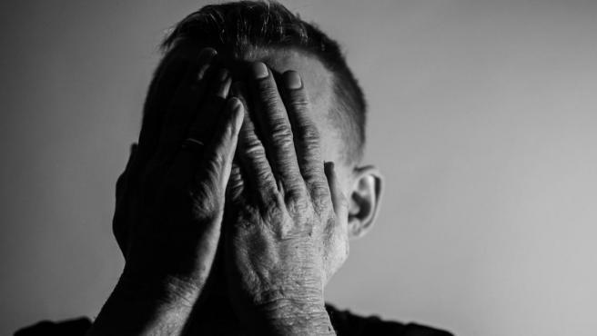 La OMS alerta de la falta de prevención del suicidio.