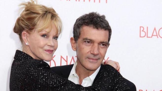 """Durante años ilustraban el manoseado tópico de """"la pareja más sólida de Hollywood"""", pero en 2014 se acabó lo que se daba. Ese año estrenaron 'Autómata', en la que ambos partipaban. Fue el malagueño el que llevó la promoción. Además, su hija Stella provoca que no dejen de verse."""