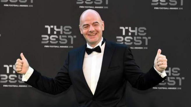 El presidente de la FIFA, Gianni Infantino, en la 'alfombra verde' de los premios 'The Best'.