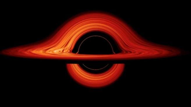 El entorno deformado de un agujero negro, en una nueva simulación