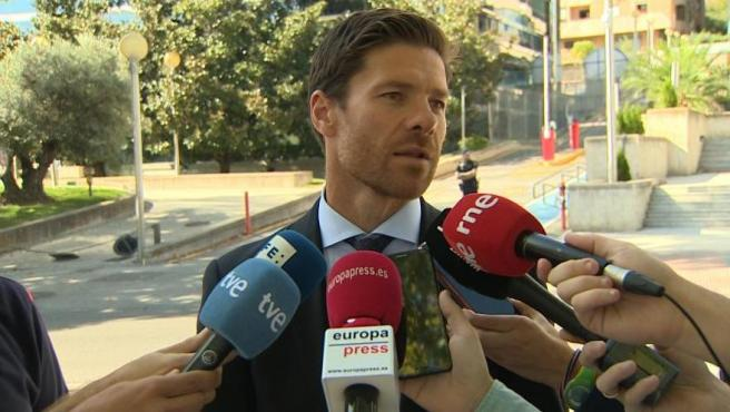 """Xabi Alonso defiende su """"inocencia"""" a la salida del juicio"""