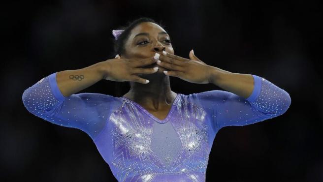 Simone Biles cerró el Mundial de Stuttgart con el oro de suelo, su especialidad.