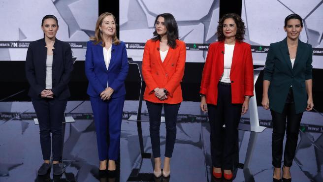 Montero (Unidas Podemos), Pastor (PP), Arrimadas (Ciudadanos), Montero (PSOE) y Monasterio (Vox), antes del inicio del debate.