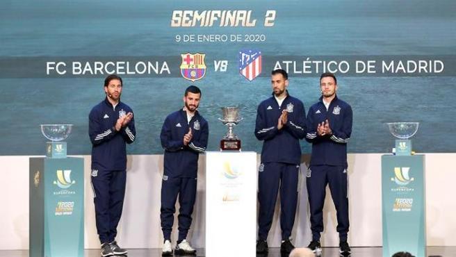 Ramos, Busquets, Gayá y Saúl en el sorteo de la Supercopa de España