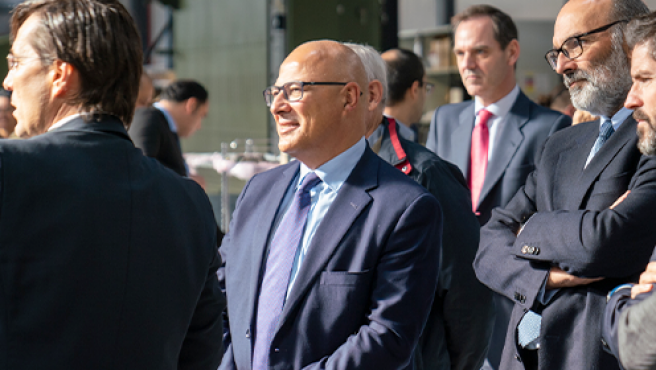 El Secretario de Estado de Defensa, Ángel Olivares, en las instalaciones de Indra.
