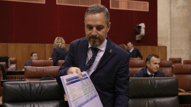 El consejero de Hacienda, Juan Bravo, en una imagen de archivo en el Parlamento de Andalucía.