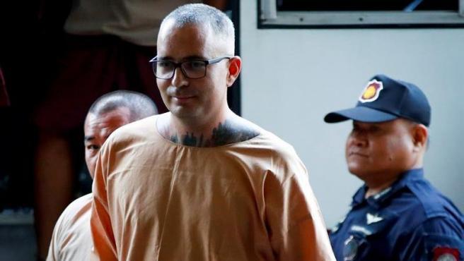 El español Artur Segarra, condenado a muerte en Tailandia por asesinato, a su llegada a la Corte Criminal de Bangkok para conocer la decisión del tribunal sobre su última apelación.