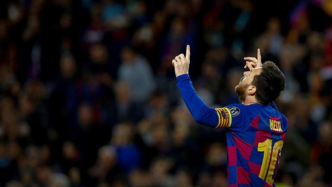 Leo Messi celebra su gol al Borussia de Dortmund en su partido 700.